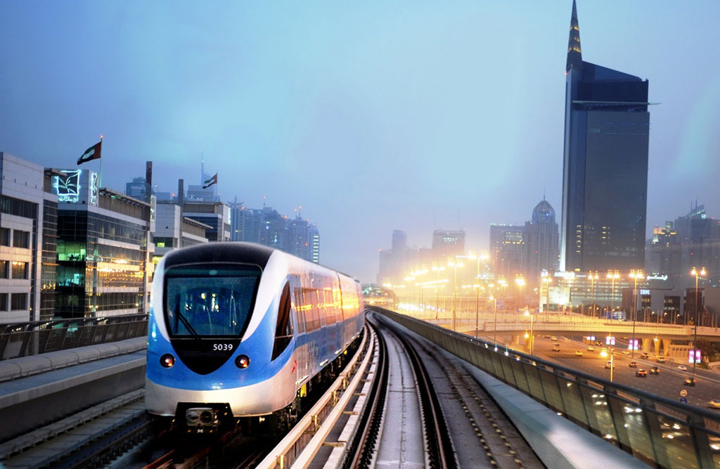 Dubai Metro on the go